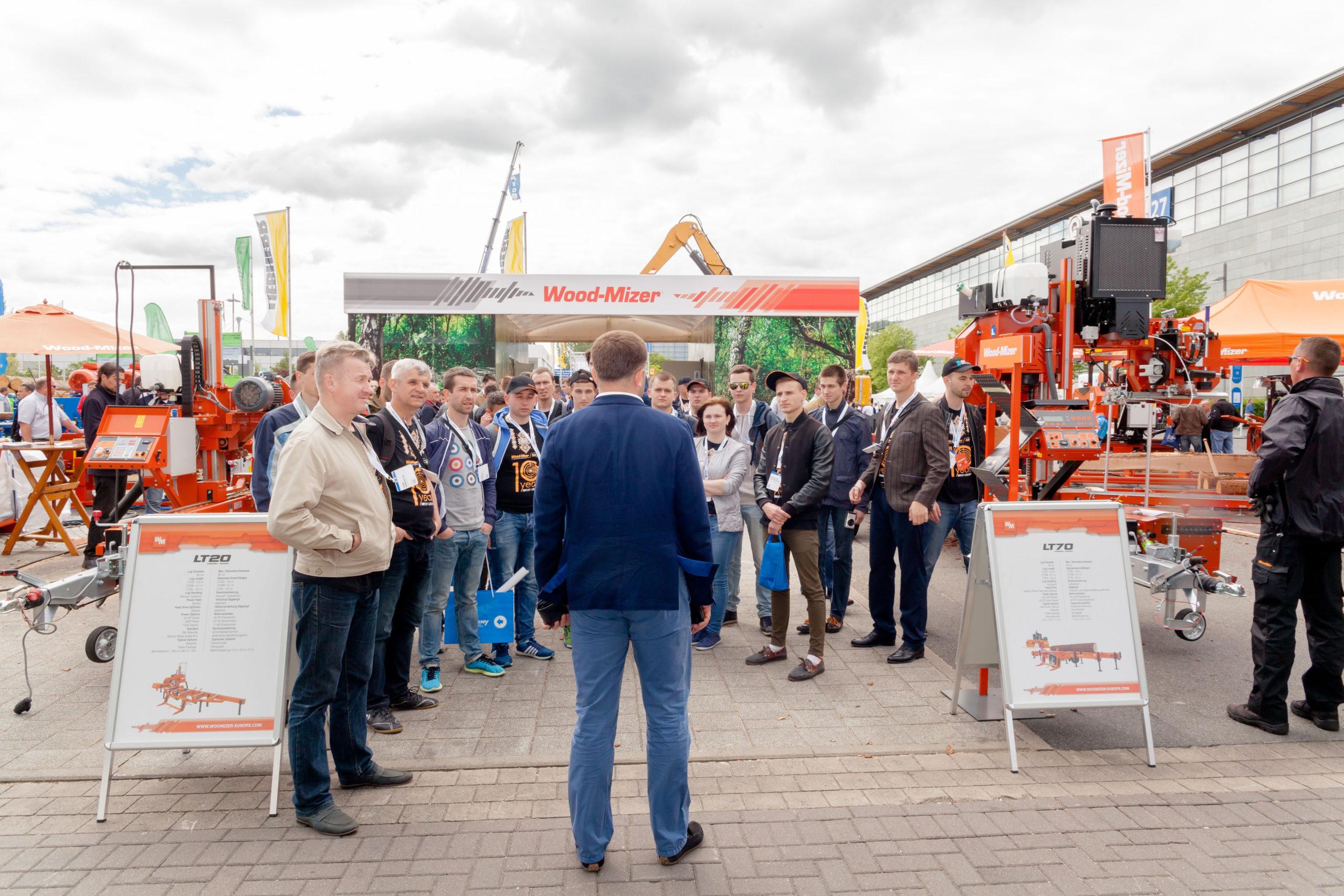 W trakcie targów LIGNA będzie można obejrzeć maszyny Wood-Mizer podczas pracy oraz wymienić cenne doświadczenia z ekspertami z branży drzewnej.   Fot. Wood-Mizer