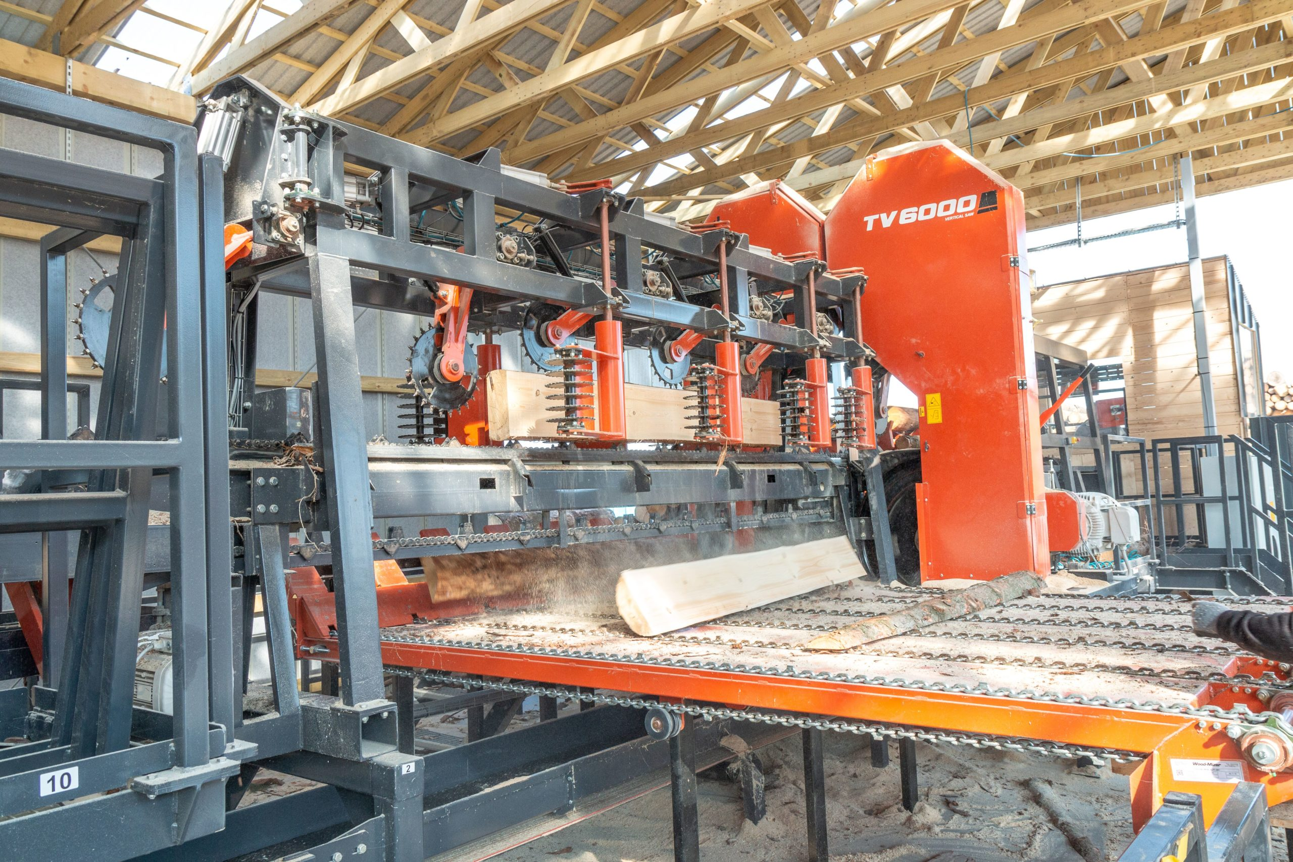 Podczas tegorocznych targów firma zaprezentuje profesjonalną linię maszyn i urządzeń TITAN.       Fot. Wood-Mizer