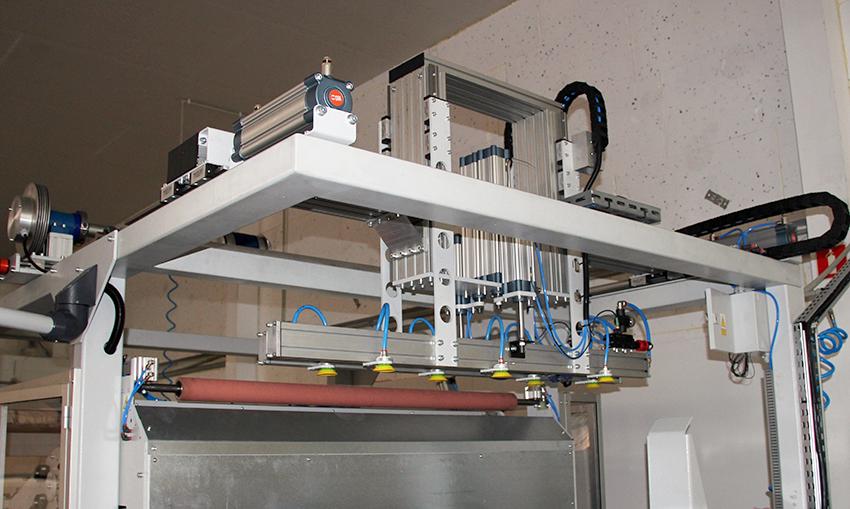 Automatyczny załadunek znacznie przyspiesza proces produkcji. Fot. Gluetechnika