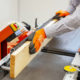 Prosta i kompaktowa strugarka pozwala łatwo i wygodnie obrabiać tarcicę, uzyskując dokładnie skalibrowane deski. Fot. Wood-Mizer